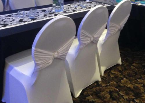 Návleky na stoličky spandex biele