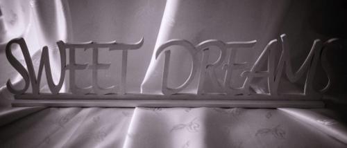 Nápis SWEET DREAMS biely 45 x 10 cm