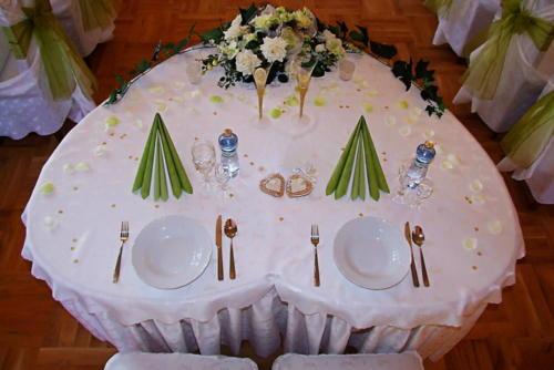 Stôl srdce